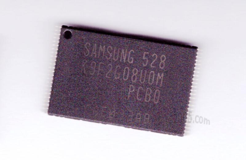 IC2005-IC-007-K9F2G08U0M-PCB0.jpg (894×540)